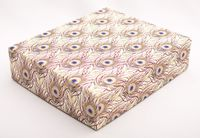 """Подарочная коробка """"Peacock Feathers"""" (16,5х20х5 см; розовые элементы)"""