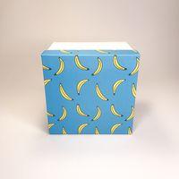 "Подарочная коробка ""Бананы на голубом"" (13х13x10 см)"