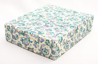 "Подарочная коробка ""Traditional"" (16,5х20х5 см; синие элементы)"