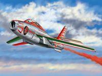 "Истребитель ""F-84F Thunderstreak"" (масштаб: 1/48)"
