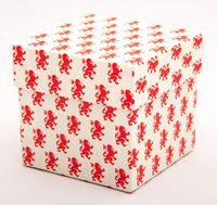 "Подарочная коробка ""Lions Rampant"" (7,5х7,5х7,5 см; красные элементы)"
