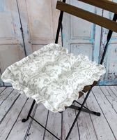 """Подушка на стул """"Ажур"""" (35х35 см; бело-серая)"""