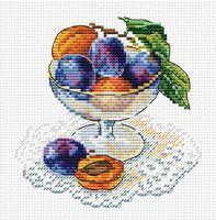 "Вышивка крестом ""Вкус ягод"" (150х150 мм)"