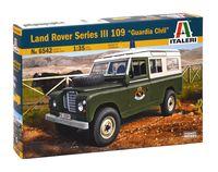 """Сборная модель """"Внедорожник Land Rover Series III 109 """"Guardia Civil"""" (масштаб: 1/35)"""