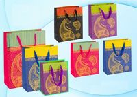 """Пакет бумажный подарочный """"Цветной"""" (в ассортименте; 32x26x12 см; арт. МС-3038)"""
