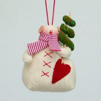 """Кукла ручной работы """"Снеговик"""" (с елкой и сердцем)"""